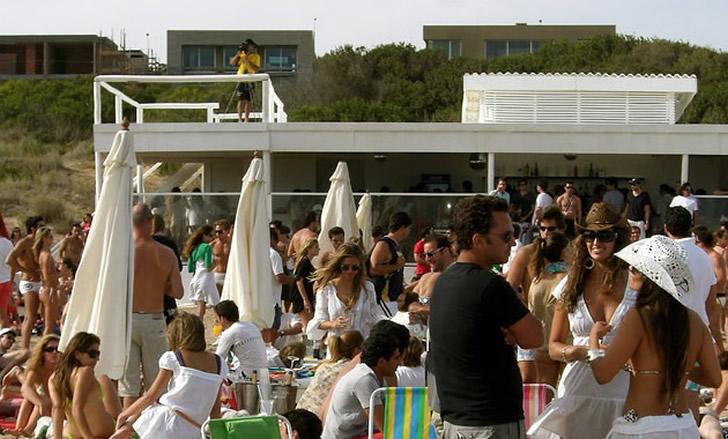 Verano 2021. Música y Djs en paradores, playas y bares